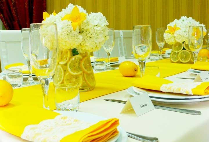 Праздничный стол лимонной свадьбы