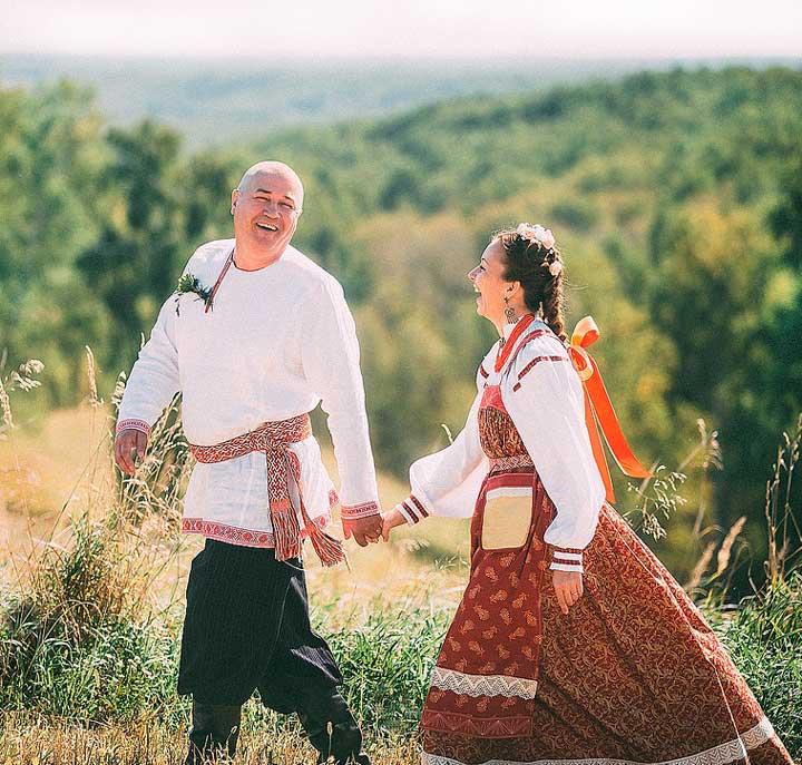 Видеосъемка русской свадьбы в поле
