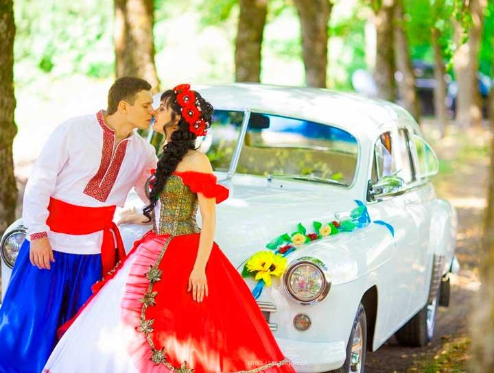 Жених и невеста и украинской свадьбы