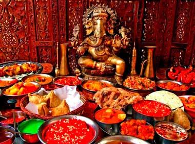Индийская еда на свадьбе