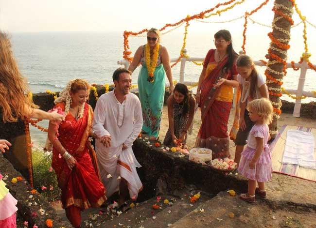 Одежда гостей на индийской свадьбе