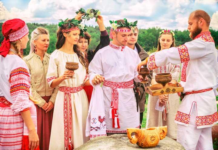Мальчишник и девишник русской свадьбы
