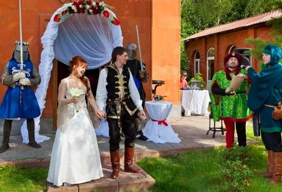 средневековая_церемония_на_природе
