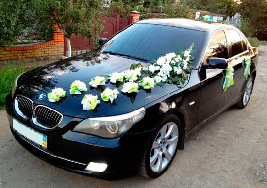 Черно-белая машина на свадьбу