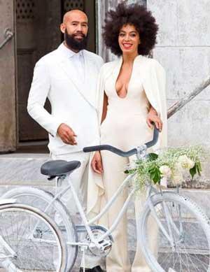 Белый стиль свадьбы на велосипеде