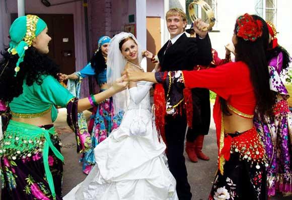 Выкупаем невесту в цыганском стиле