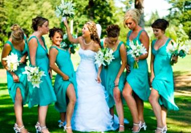 Голубые наряды стюардес на свадебном выкупе