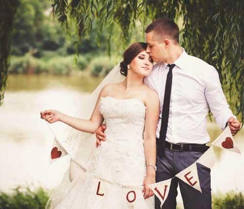 Наряды невесты и жениха на кофейной свадьбе
