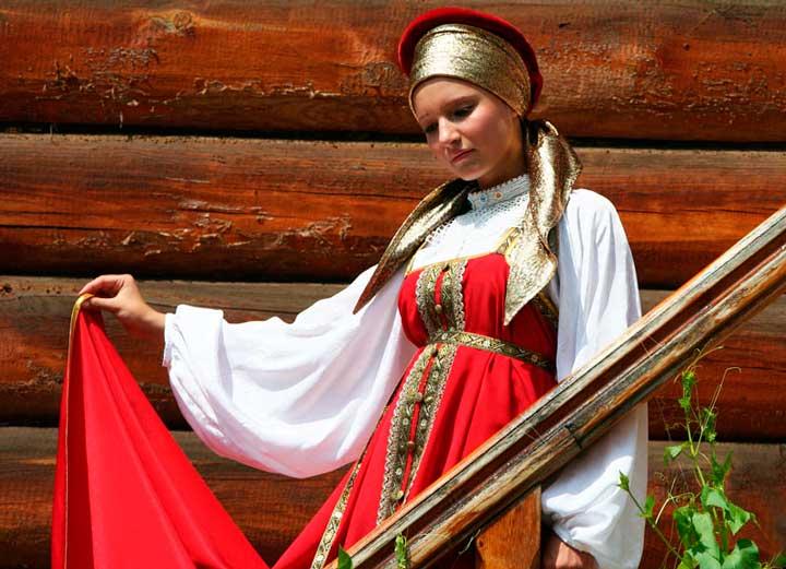 Невеста в традиционном руссском народном стиле