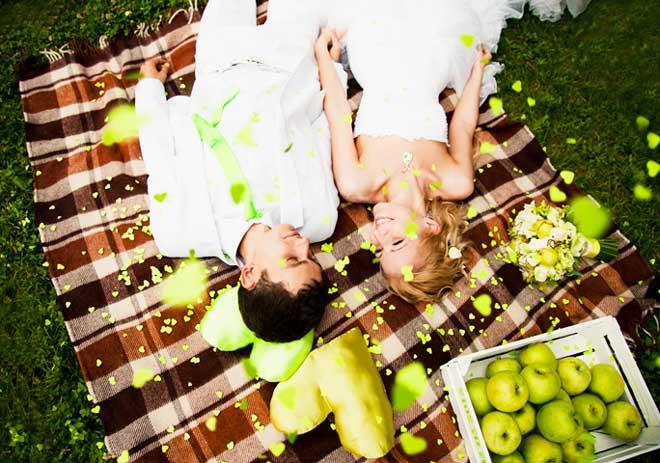 яблочная свадьба на природе