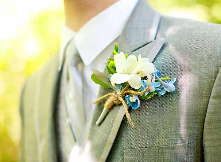 Бутоньерка и её выбор как аксессара на свадьбе