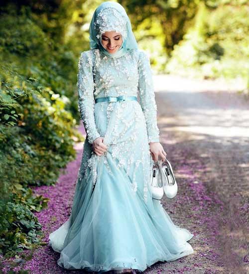Непрозрачное голубое платье невесты