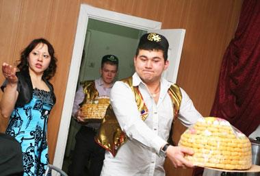 Татарская свадьба и молодожены