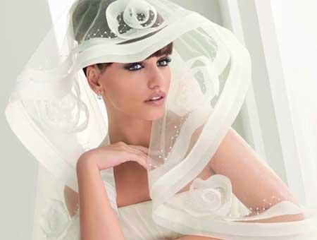 Белая фата на невестах постарше