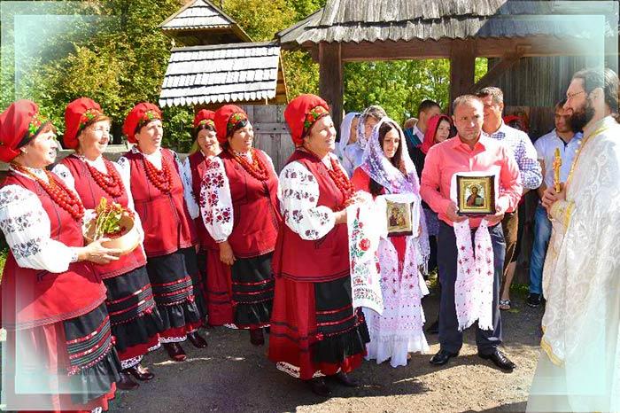 Сюжет украинского венчания и каравай