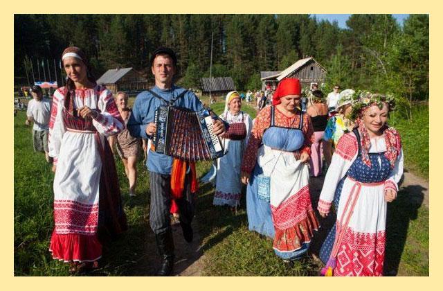 Русское праздничное шествие