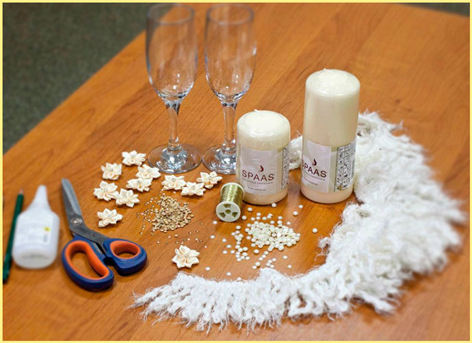 Ножницы, бокалы, свечи и декор
