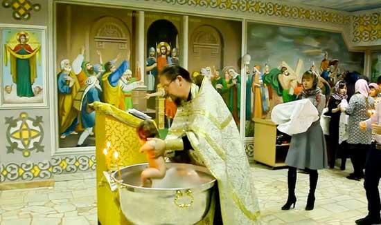 видеооператор_для_крещения_в_церкви