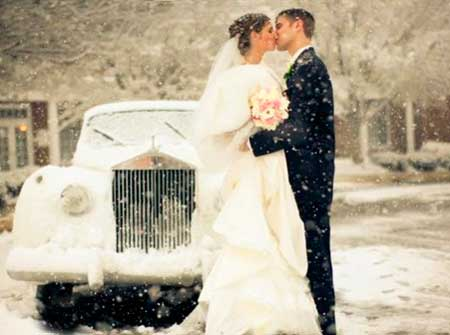 Снегопад на зимней свадьбе