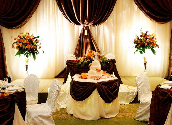 Банкетный зал для шоколадной свадьбы