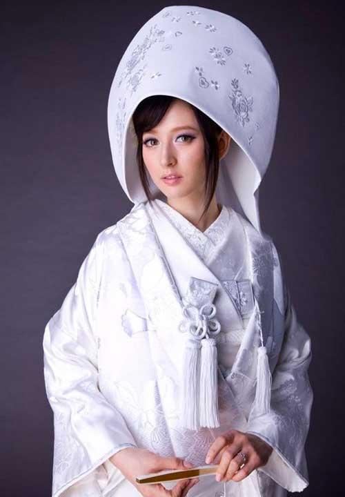 Белый наряд японской невесты