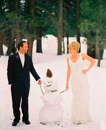 Жених подарил невесте снеговика