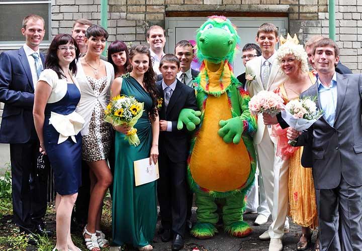 Наряды и костюмы на свадебном выкупе