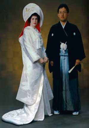 Наряд японских молодожен на свадьбе