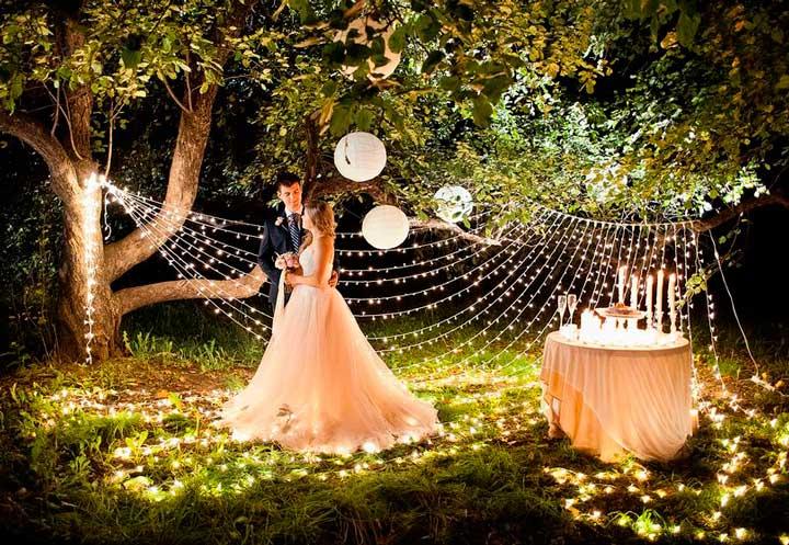 Оформление лесной свадьбы и освещение