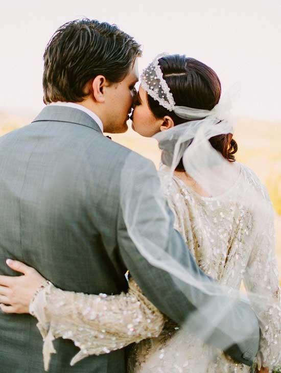 Поцелуй в винтажном стиле