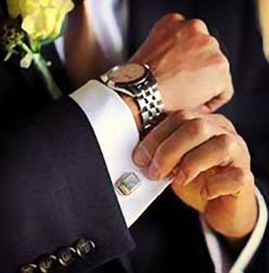 Часы как аксессуар на свадьбе