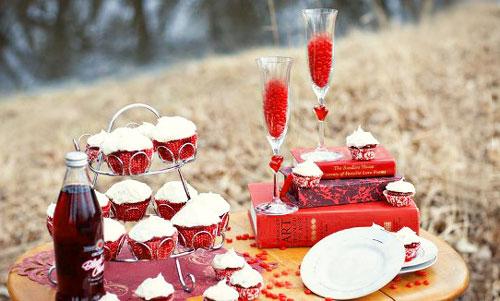 Романтический вечер в день влюбленных на свадьбе