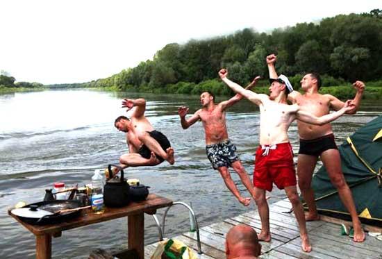 Как отпраздновать на озере мальчишник
