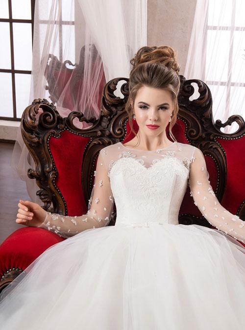 Невеста выглядит на свадьбе превосходно