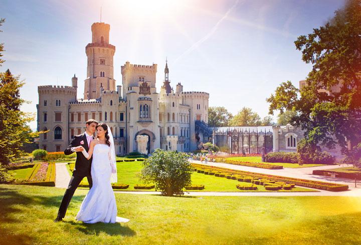 Свадьба в замке в необычном месте