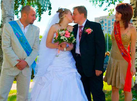 Свидетель мужчина и женщина на свадьбе