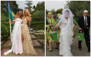 Невеста с коромыслом и ведрами, и с флагом и подружкой