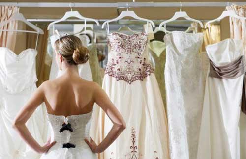 примерка-свадебного-платья
