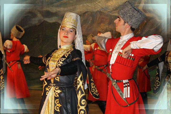 Танец азаббаши на свадьбе