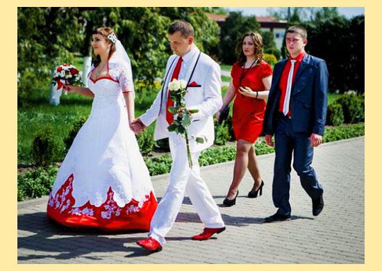 Жених и невеста со свидетелями