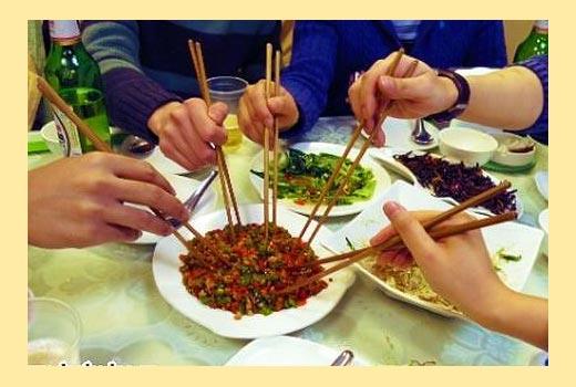 Китайские палочки и блюда