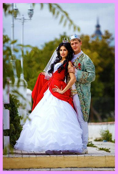 Королевский стиль костюмов молодожен