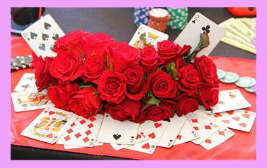 Карты и свадебные цветы