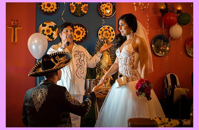 Жнеих и невеста в мексиканском стиле