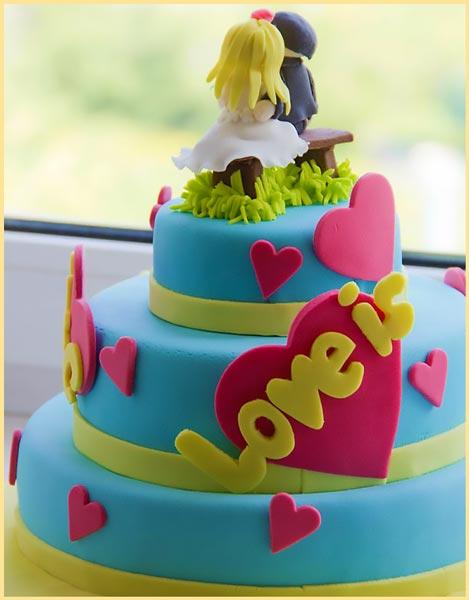 Торт в стиле Love is