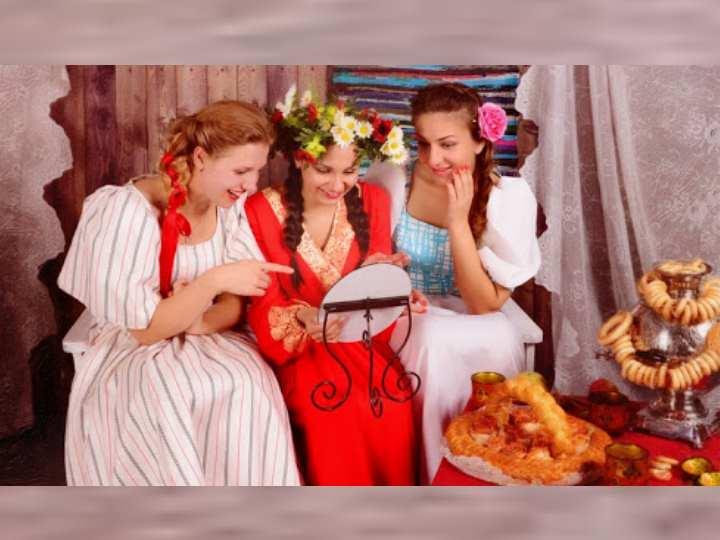 Усадив будущую жену за богато накрытый стол можно было приступать к развлечениям