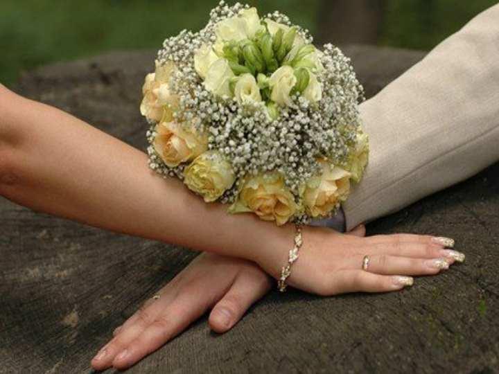 В самый торжественный момент свадебной церемонии жених видит свою возлюбленную