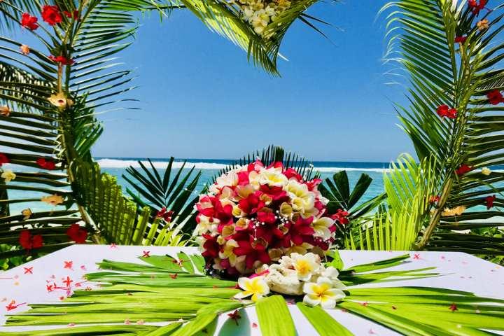 Не менее шикарным вариантом считается проведение свадебного торжества на Сейшелах