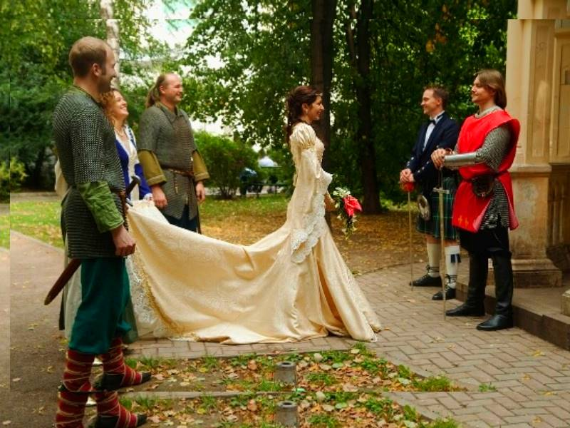 medieval wedding ceremony - 600×600