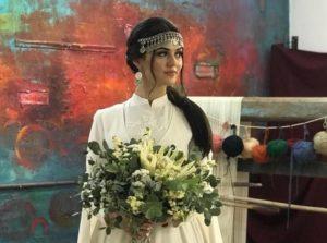 все свадебные наряды, изготовлены из дорогих тканей